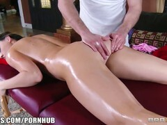 Chanel Preston had to suck dick, because she had no money to pay for the massage